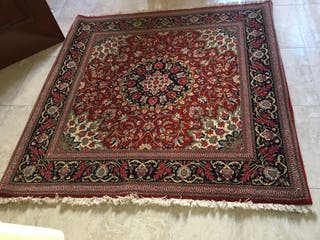 Se vende alfombra persa hecha a mano