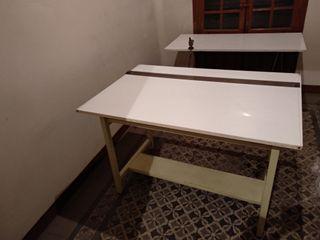Mesas blancas dibujo