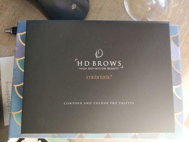 HD brows contour palette.