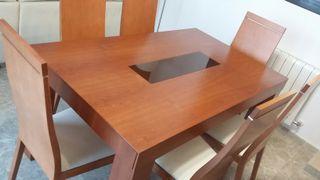 Mesa 150X90 cm Ext y 6 Sillas de Comedor en Madera