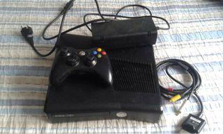 Xbox 360 slim de 360 GB