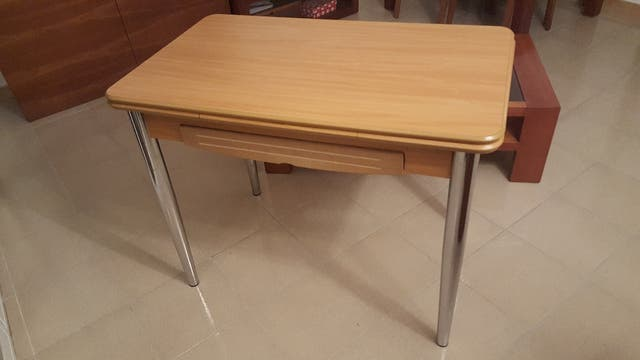 Mesa de cocina abatible. de segunda mano por 40 € en Granollers en ...