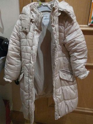 abrigo beige niña