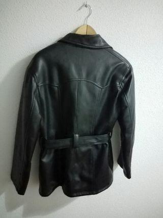 Cazadora/chaqueton tipo cuero MUJER