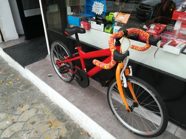 bicicleta preparada para junior