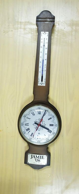 reloj con termometro