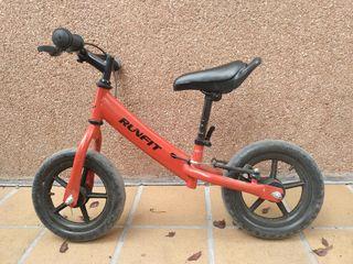 Bicicleta sin pedales.roja