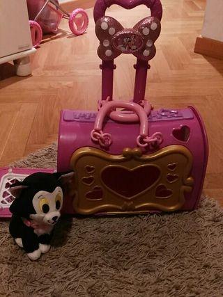 Portátil de Mini y Daisy con gatito