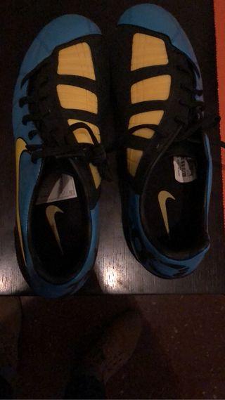 Botas fútbol Nike talla 44