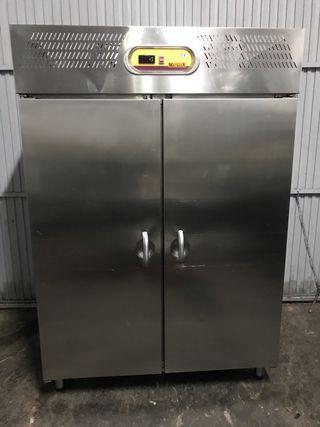 Cocina acero inoxidable industrial de segunda mano en wallapop for Puerta cocina industrial