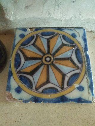 azulejo muy antiguo