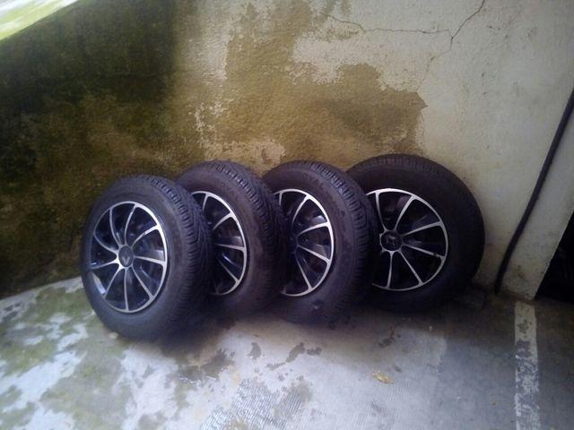 Neumaticos llantas ruedas twizy uniroyal
