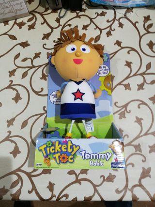 Muñeco Tommy Tickety Toc de Famosa