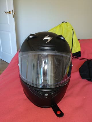 Casco moto Scorpion Exo 710 negro mate.
