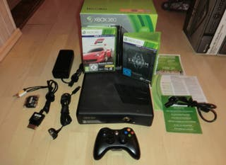 Xbox 360 250 Go Skyrim Bundle