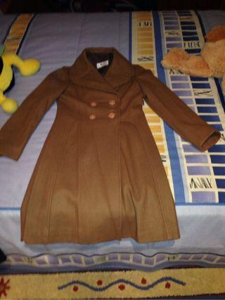 Abrigo beige nuevo