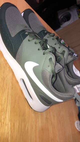 Nike air max men's trainer size 9.5