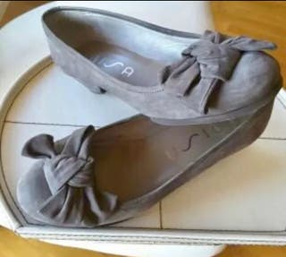 Zapato UNISA ANTE GRIS,Núm 37