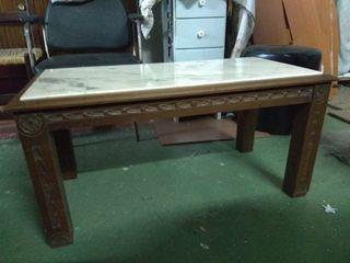 Mesa marmol y madera tallada