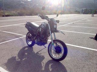 Vendo o Cambio Yamaha XT 600e SM (A2)
