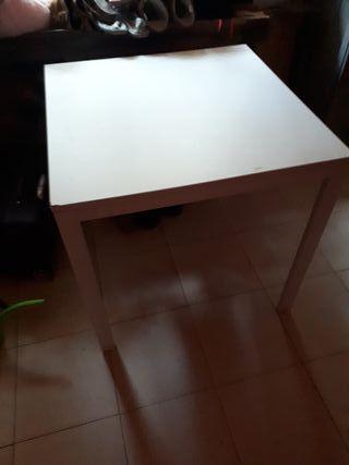 mesa de cocina pequeña