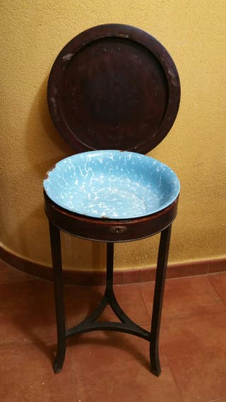 Antiguo lavabo tocador