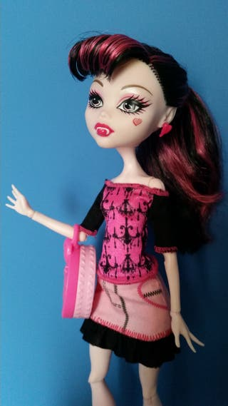 Monster High Draculaura Scaris