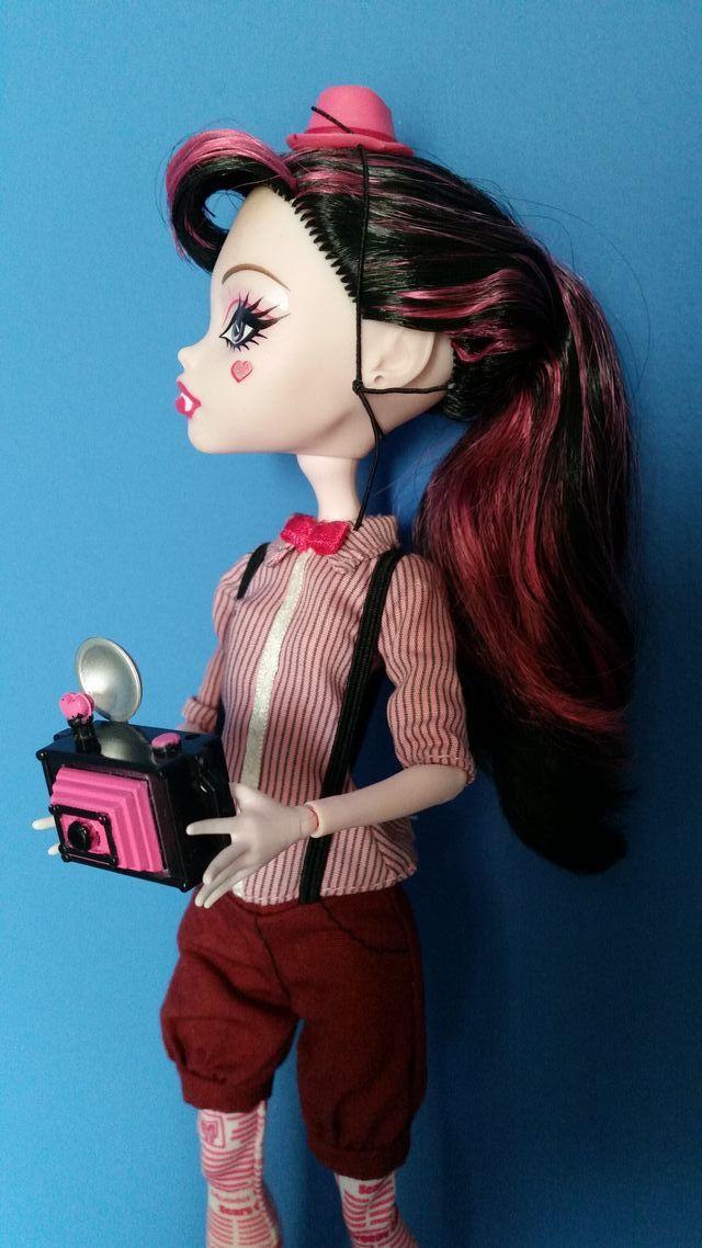 Monster High Draculaura School Club
