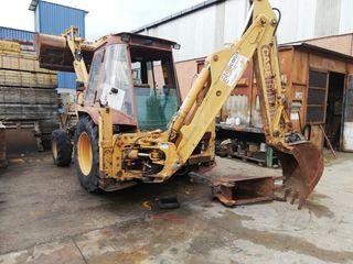 RETROEXCAVADORA CASE 580 SK SUPER 4X4