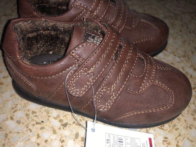 2933728cc17 Zapatos niño niña talla 28 nuevo de segunda mano por 5 € en ...