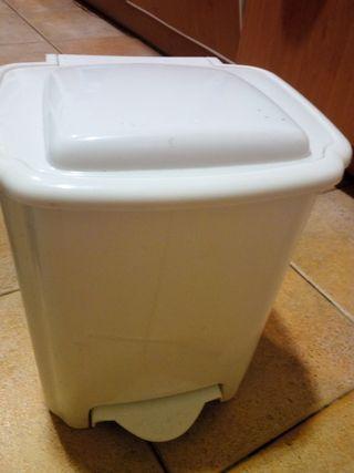 Cubo de basura/ papelera/ pañales