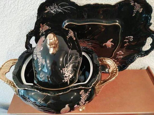 Sopera y bandeja de porcelana de la casa Capelans