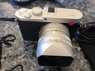 Appareil photo numérique compact LEICA Q Silver