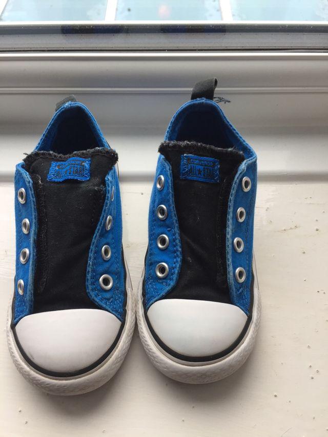 Converse infant size 8 shoes