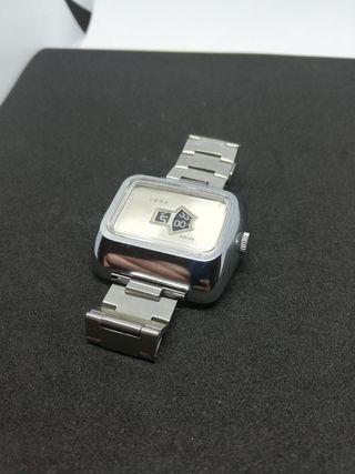 reloj LEDA