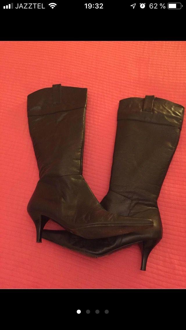 Vendo botas de piel negras talla 40