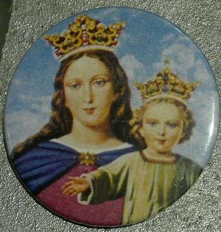 Chapa de María Auxiliadora.