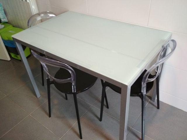 Mesa cristal cocina y sillas de segunda mano por 120 € en ...