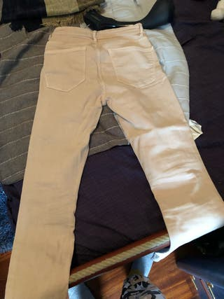 Pantalon pitillo rosa claro