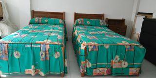 2 camas de 80 mas mesilla