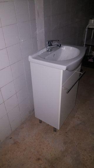 lavabo con mueble y griferia