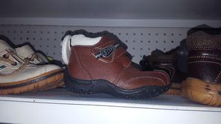 2 botas de niño