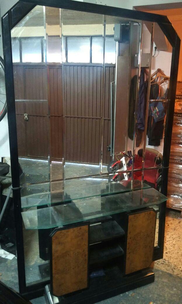 Espejo y armario decorador