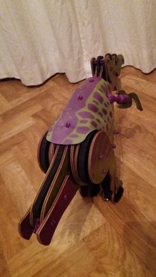 Dinosaurio Rex echo de piezas