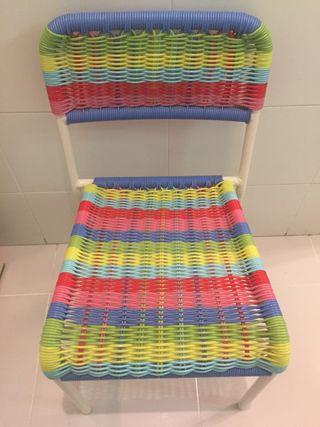 Silla multicolor ikea para niños