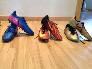 Lote de botas de fútbol