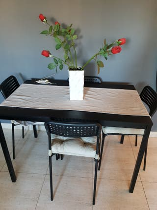 Mesa de comedor con 4 sillas de segunda mano por 65 en terrassa en wallapop - Wallapop mesa comedor ...