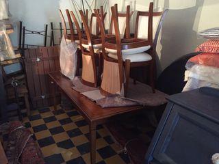Mesa comedor con sillas de segunda mano en Palma de Mallorca en WALLAPOP