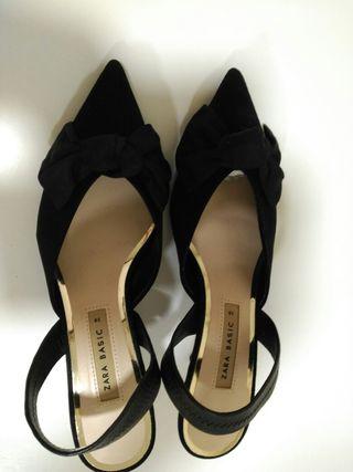 Zapatos tacón fino bajo