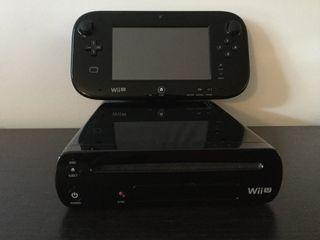 WII U con juegos, mandos, volantes, etc